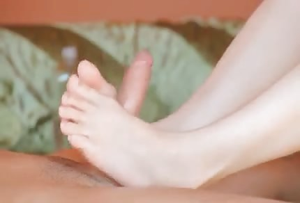 Beata lubi zabawić się stopami