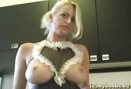 Polka w seksownej bieliźnie