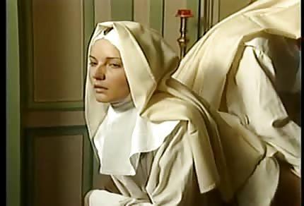 Jebanie i fisting z zakonnicą