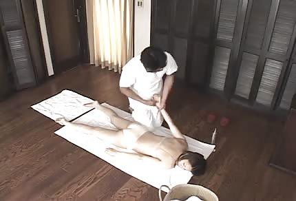 Japoński masaż i jebanie w domu