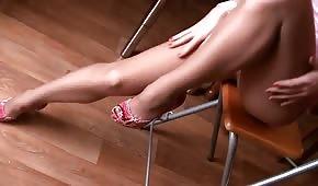 Tussi mit langen Beinen