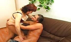 Armando zapina dojrzałą kobietę