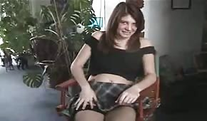 Fajna dupeczka przedstawia swoją cipkę