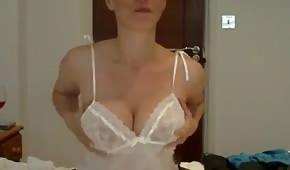 Striptiz naturalnej panienki na seks czacie