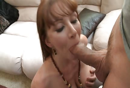 Ruda mamuśka lubi sex