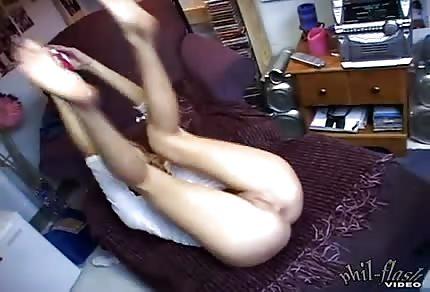 Kasia dobrze wie jak dotykać samą siebie