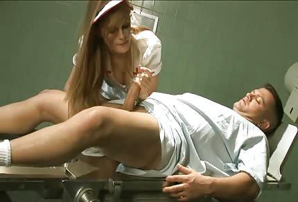 Ruda zboczona pielęgniarka