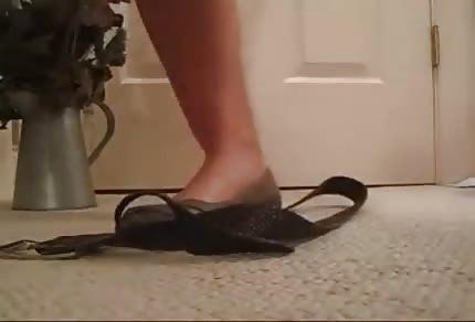 Kręcą go kobiece stopy