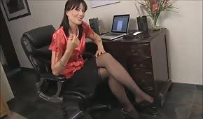 Szefowa postanowiła rozebrać się w pracy