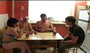 Zabawy ruskich swingersów na przyjęciu