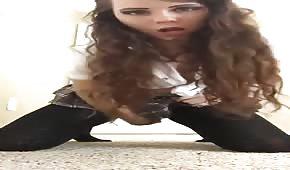 Gorąca studentka z dildo