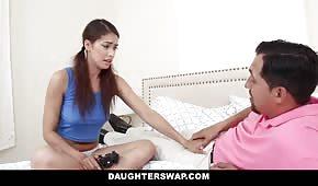 Facet posuwa córkę kumpla