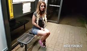 Publiczny seks z blond lalunią