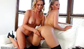 Soczyste dupeczki erotycznych lesbijek