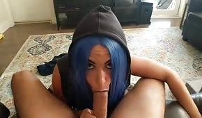 Niebieskie włosy niegrzecznej lodziary