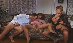 Grupowe porno z retro laseczkami