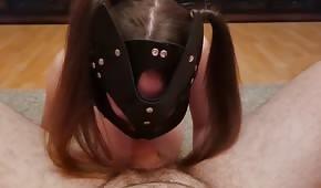 Studentka w kitkach ssie fiuta przed ruchaniem