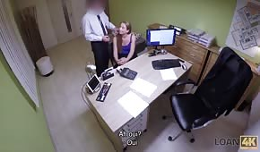 Ukryta kamera i szybki seks w biurze