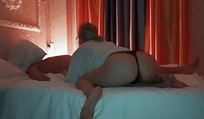 Nocne porno z łatwą lalunią