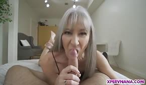 Dziki seks z chudą mamusią